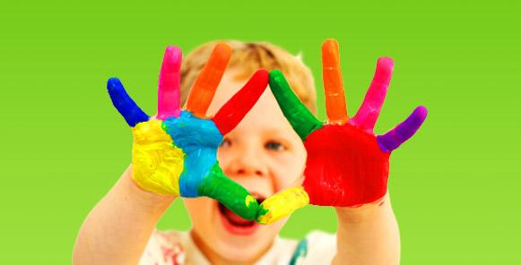 In der Vorschule lernen Kinder unter anderem viel über Farben und Materialien